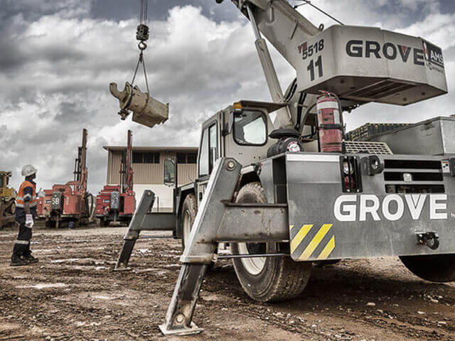 Grue industrielle Grove