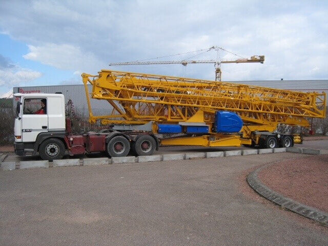 Potain Self-Erecting Towercrane