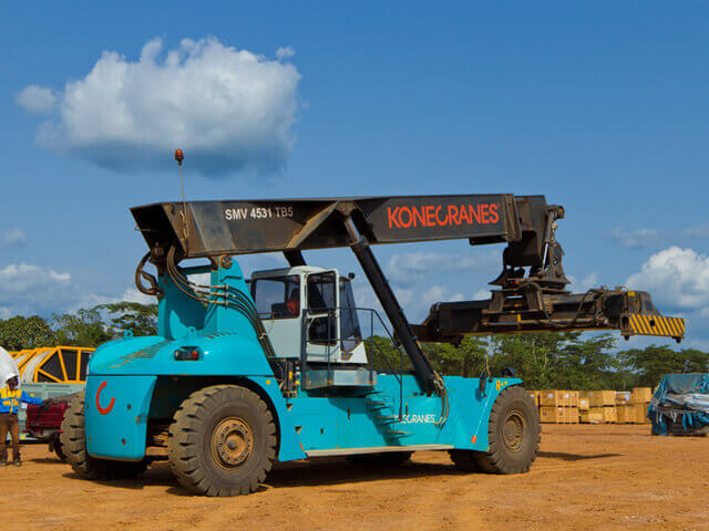 Reach Stacker Trucks