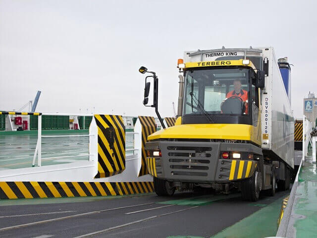 RT (RoRo Tractor) SERIES
