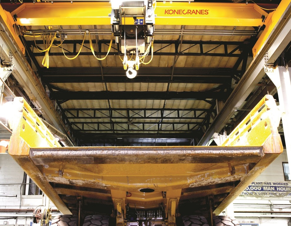 Konecranes overhead crane at work on gold mine in Ghana.