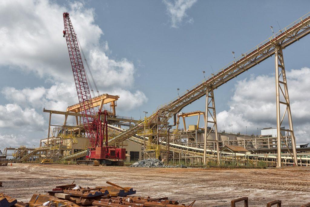 Manitowoc Crawler crane at processing plant, Ghana gold mine.